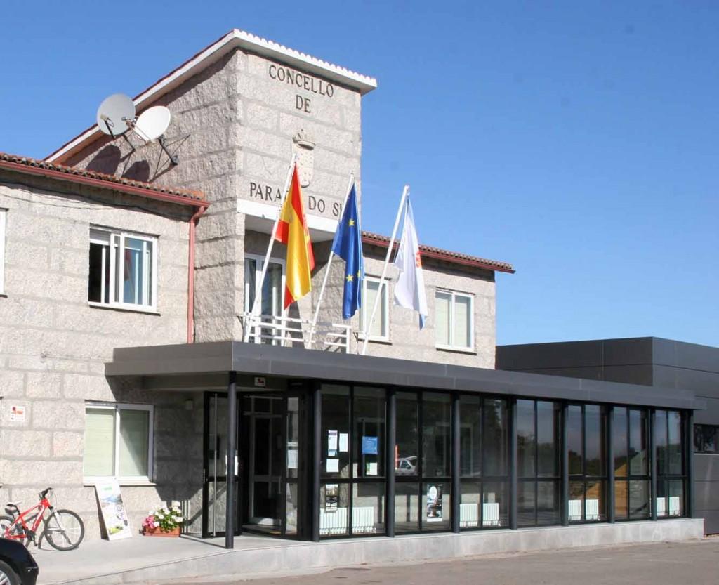 Un crack echa una mano en la oficina de turismo de for Oficina turismo galicia