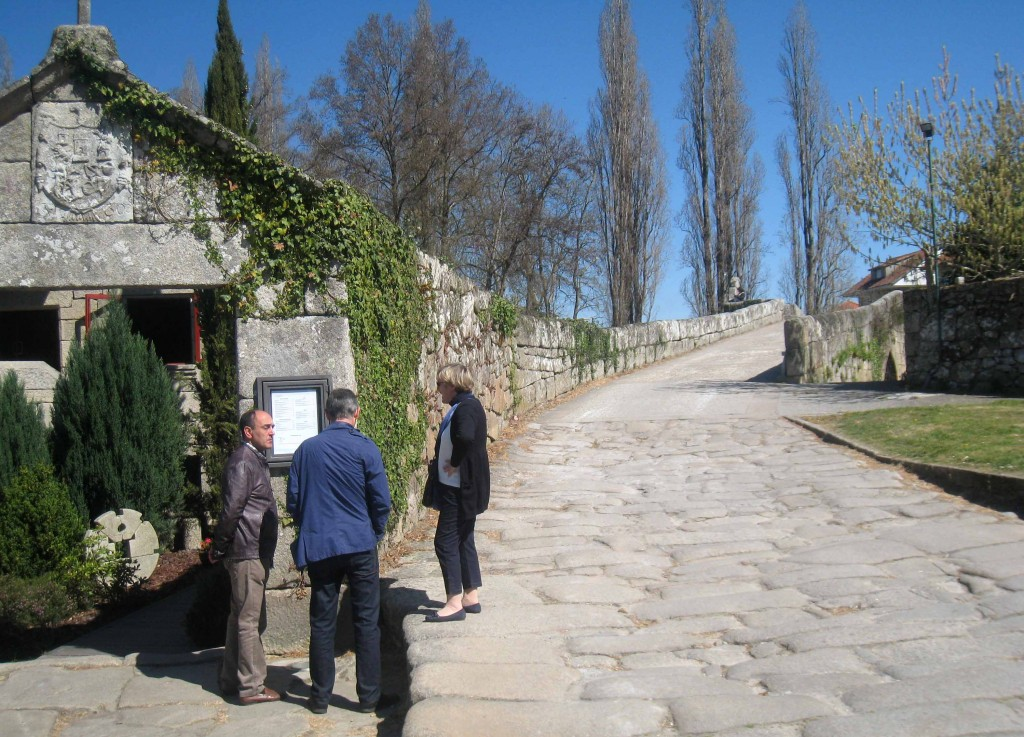 Cinco sitios para ir en semana santa en galicia 5 - Outlet en allariz ...