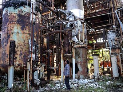Resultado de imagen para fabrica de bhopal destruida
