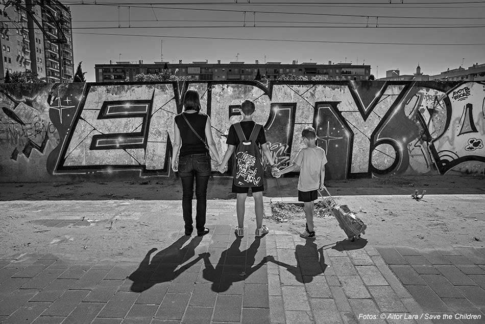 Pobreza infantil,pobreza,soledad,madre
