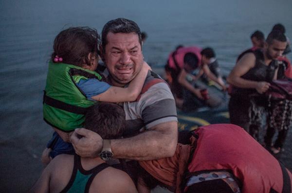 Refugiados sirios. Laith Majid y sus hijos. Foto Daniel Etter